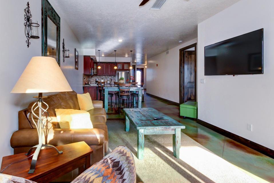 La Dolce Vita Villa's - Sombra de Verano - Moab Vacation Rental - Photo 9