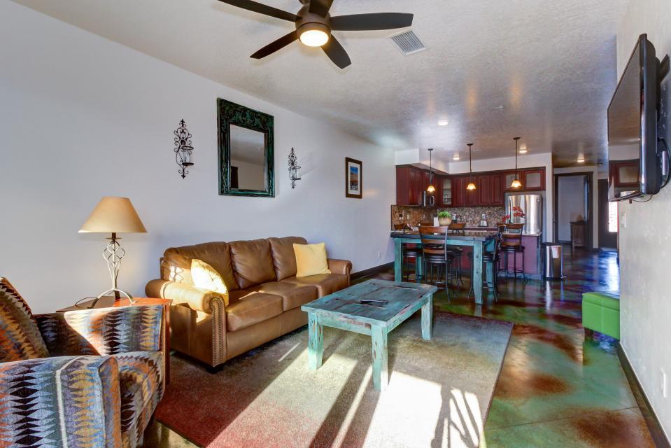 La Dolce Vita Villa's - Sombra de Verano - Moab Vacation Rental - Photo 10