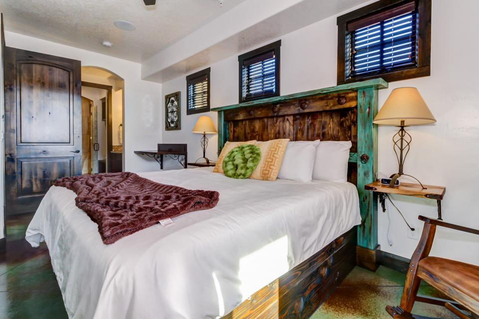La Dolce Vita Villa's - Sombra de Verano - Moab Vacation Rental - Photo 26