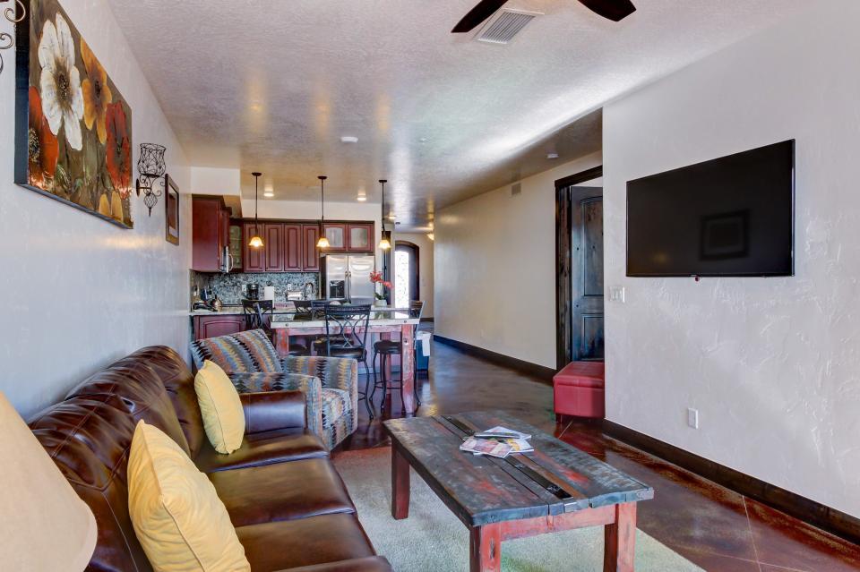 La Dolce Vita Villa's - Paraiso - Moab Vacation Rental - Photo 8