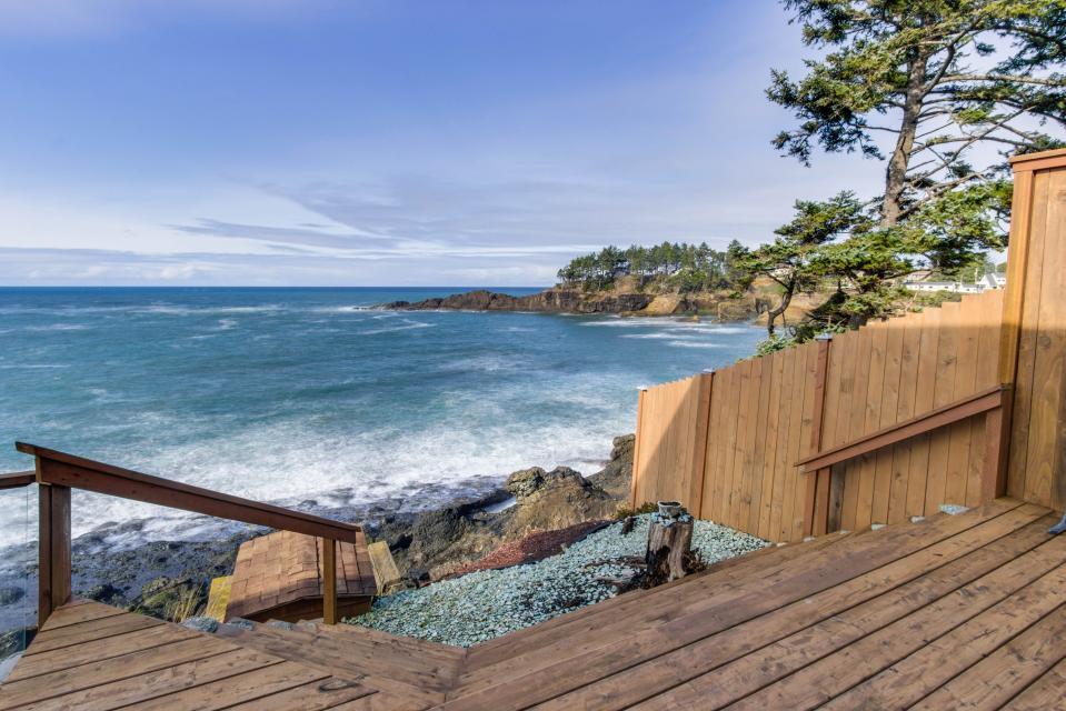Ocean Garden and Sea Rose Suites - Depoe Bay Vacation Rental - Photo 30