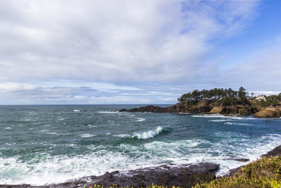 Ocean Garden and Sea Rose Suites - Depoe Bay Vacation Rental - Photo 15