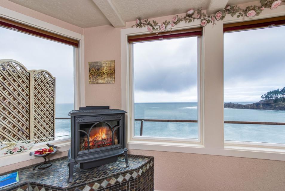 Ocean Garden and Sea Rose Suites - Depoe Bay Vacation Rental - Photo 20