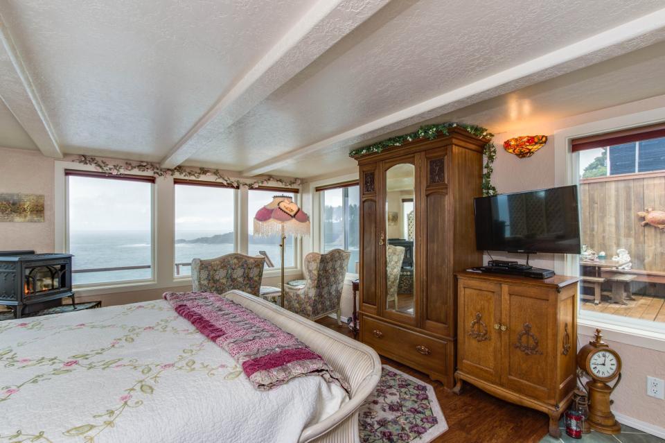 Ocean Garden and Sea Rose Suites - Depoe Bay Vacation Rental - Photo 18