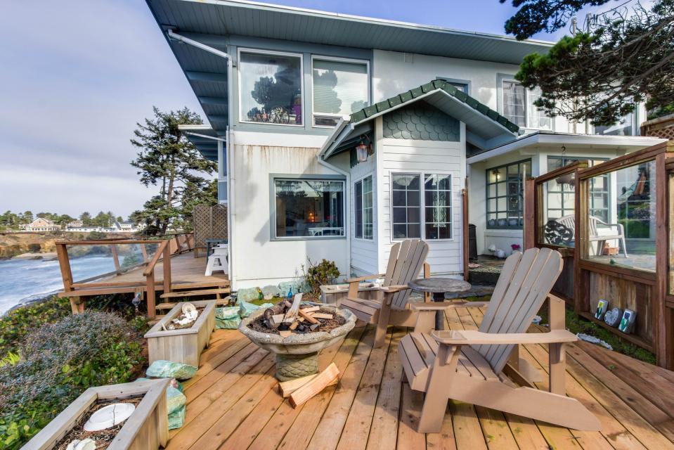 Ocean Garden and Sea Rose Suites - Depoe Bay Vacation Rental - Photo 13