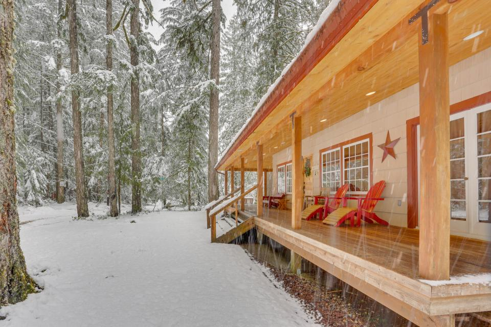 The Sharp Cabin - Rhododendron Vacation Rental - Photo 31