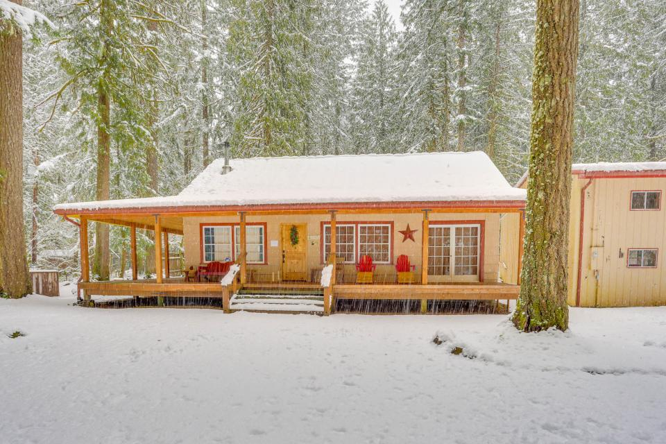 The Sharp Cabin - Rhododendron Vacation Rental - Photo 30