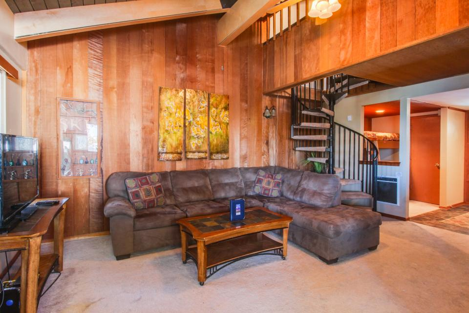 Discovery 4 102 - Mammoth Lakes Vacation Rental - Photo 2