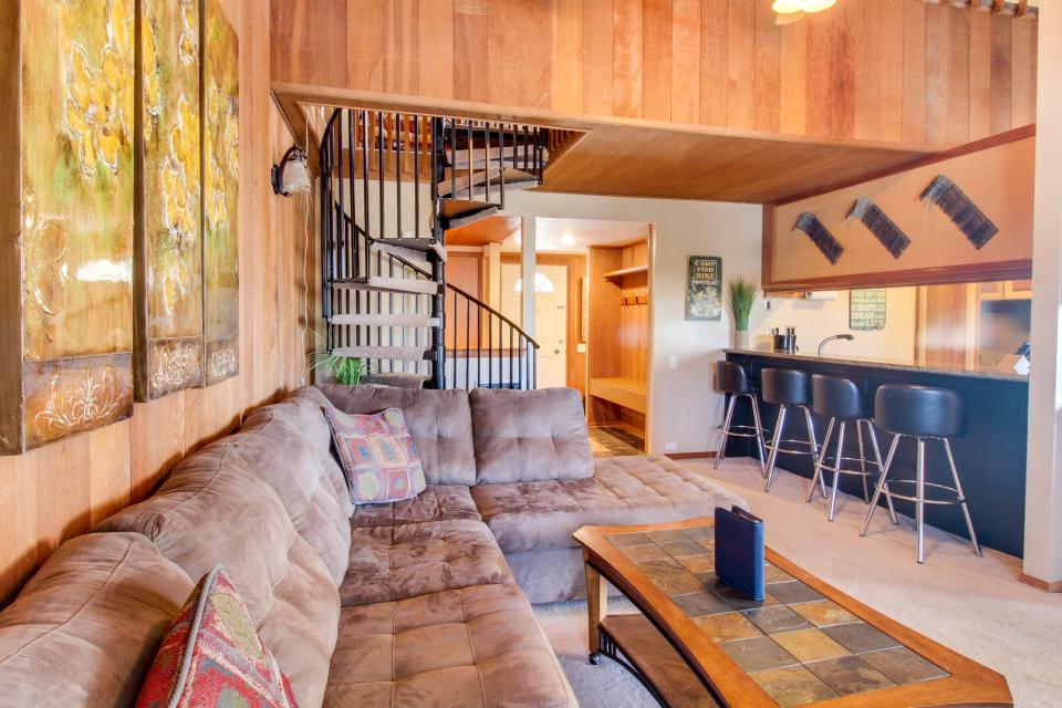Discovery 4 102 - Mammoth Lakes Vacation Rental - Photo 3