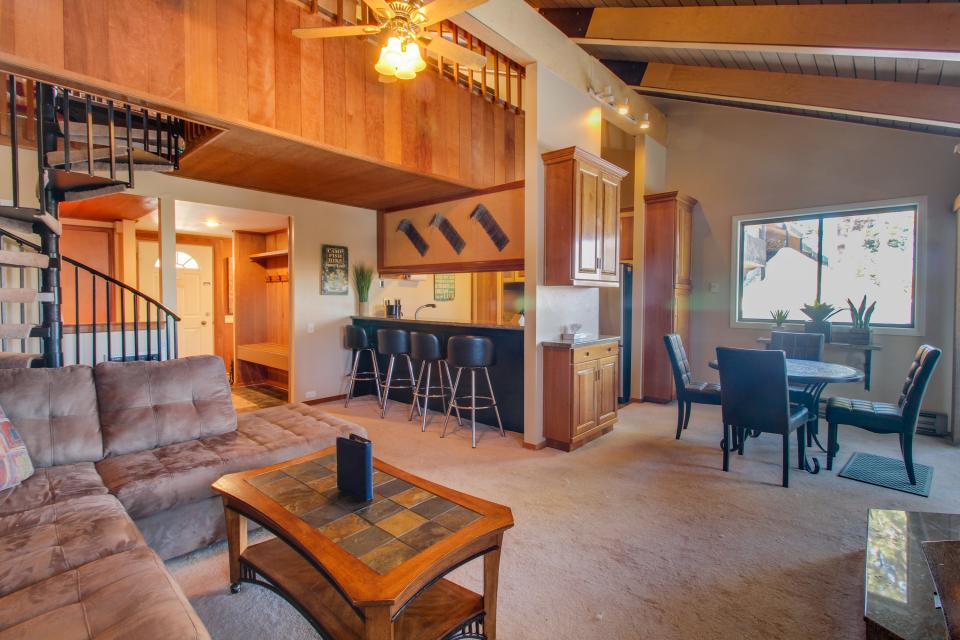 Discovery 4 102 - Mammoth Lakes Vacation Rental - Photo 4