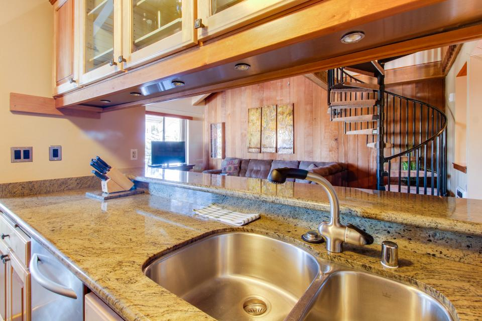 Discovery 4 102 - Mammoth Lakes Vacation Rental - Photo 8