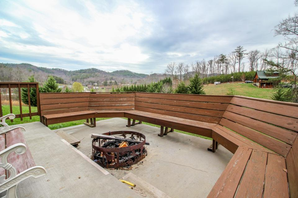 Fit For Kings - Sevierville Vacation Rental - Photo 38