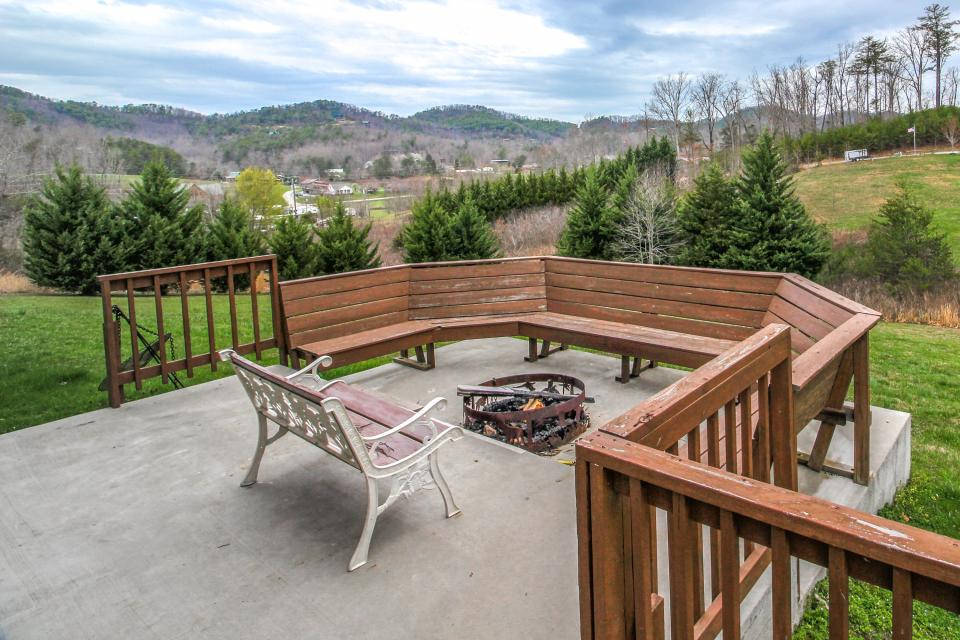Fit For Kings - Sevierville Vacation Rental - Photo 40