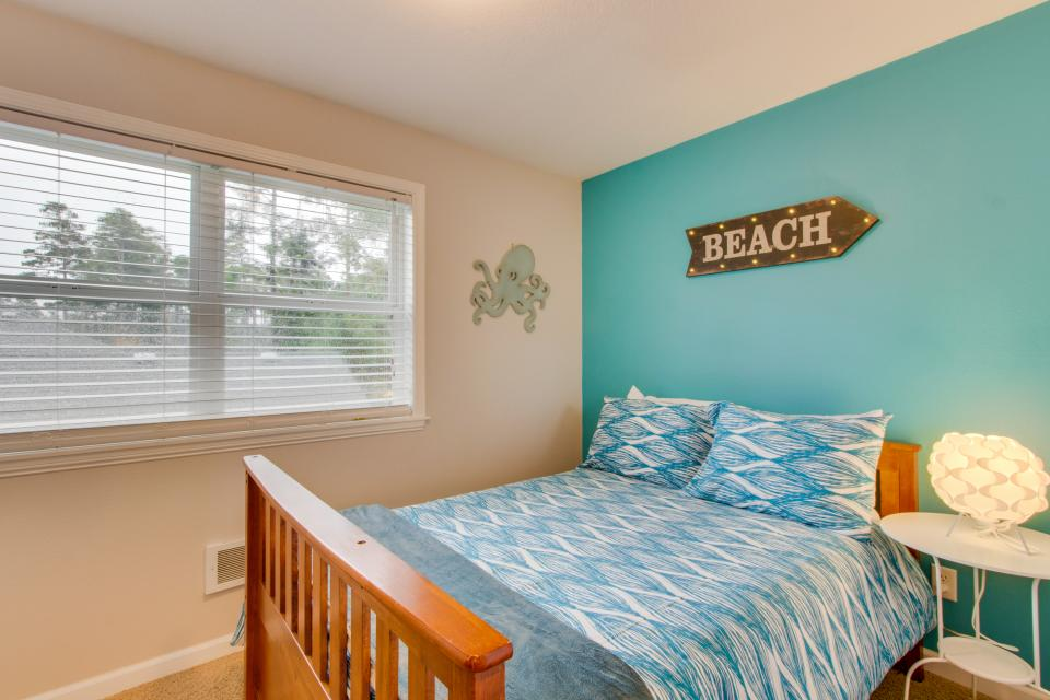 Rockaway Getaway - Rockaway Beach Vacation Rental - Photo 16
