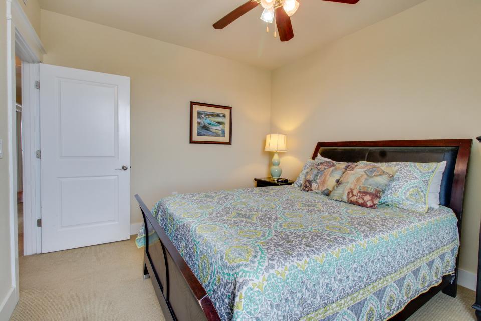 A Puerto Princessa - Galveston Vacation Rental - Photo 22