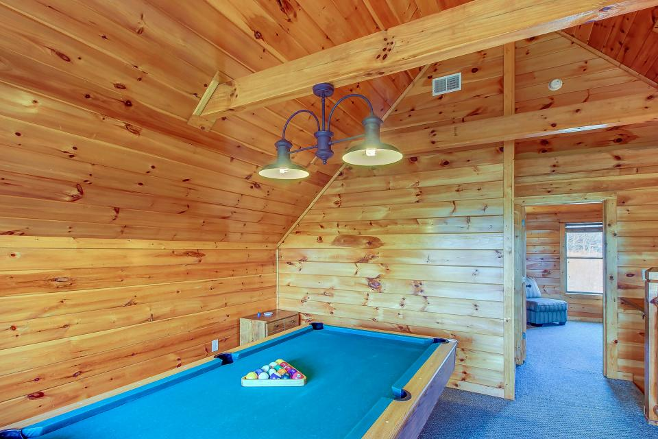 Fit For Kings - Sevierville Vacation Rental - Photo 16