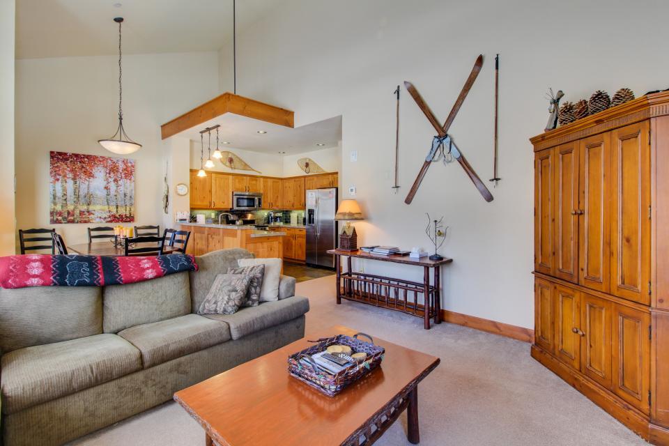 Cabins 24 - Mammoth Lakes Vacation Rental - Photo 1