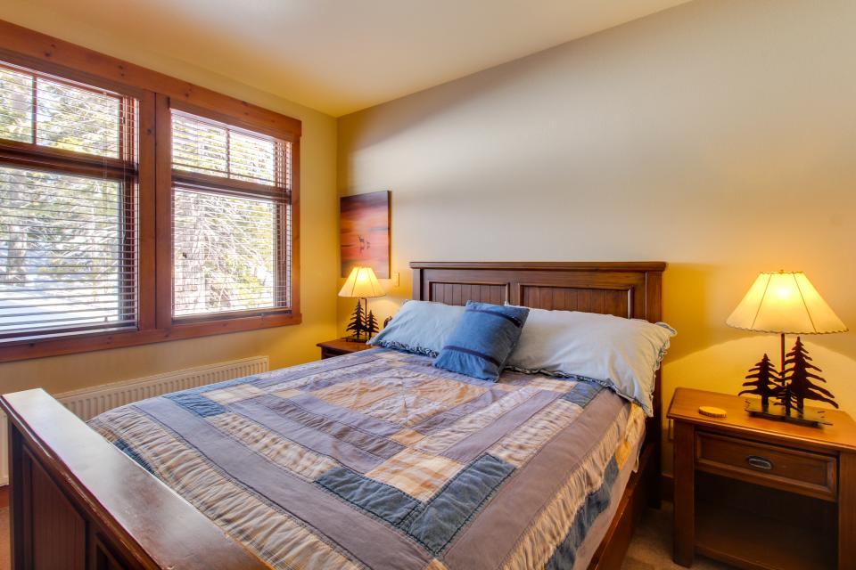 Cabins 24 - Mammoth Lakes Vacation Rental - Photo 12