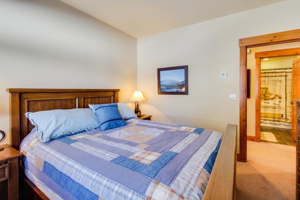 Cabins 24 - Mammoth Lakes Vacation Rental - Photo 13
