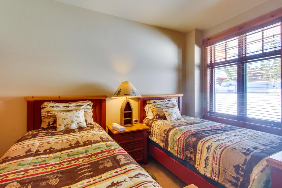 Cabins 24 - Mammoth Lakes Vacation Rental - Photo 15