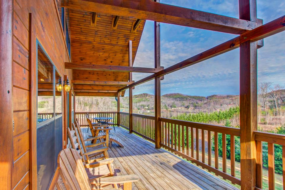 Fit For Kings - Sevierville Vacation Rental - Photo 2