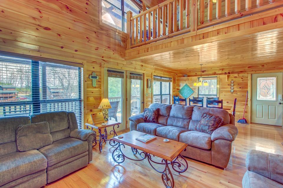 Fit For Kings - Sevierville Vacation Rental - Photo 9