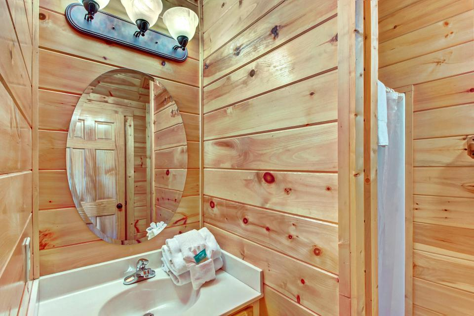Fit For Kings - Sevierville Vacation Rental - Photo 30