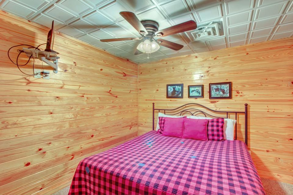 Fit For Kings - Sevierville Vacation Rental - Photo 21