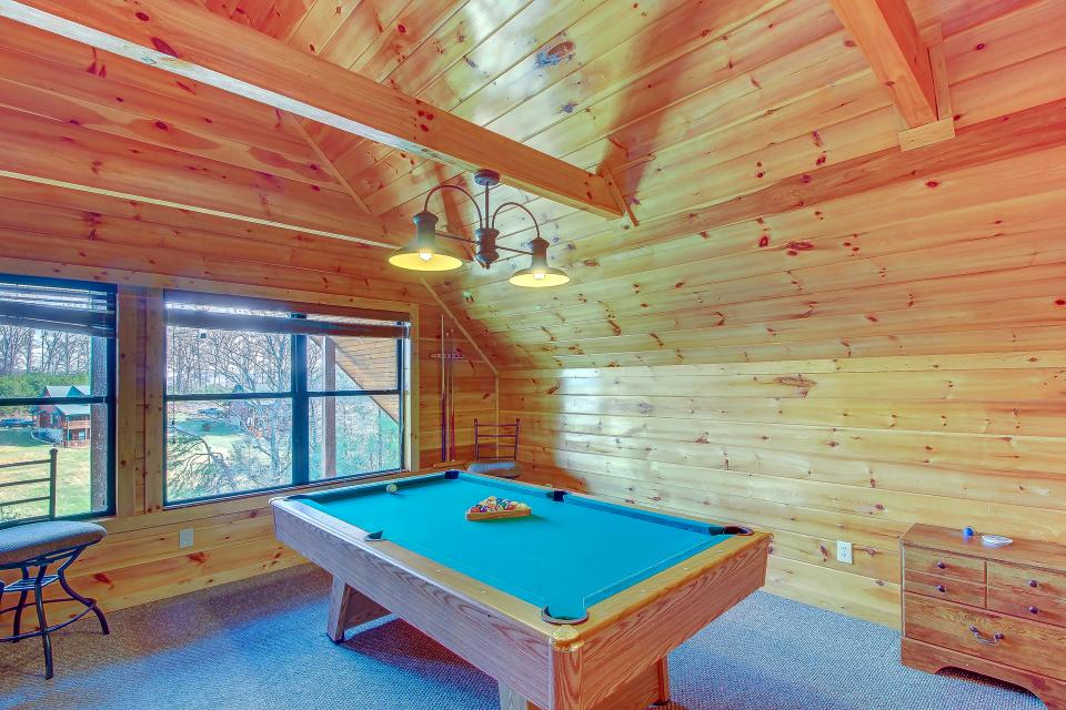 Fit For Kings - Sevierville Vacation Rental - Photo 14