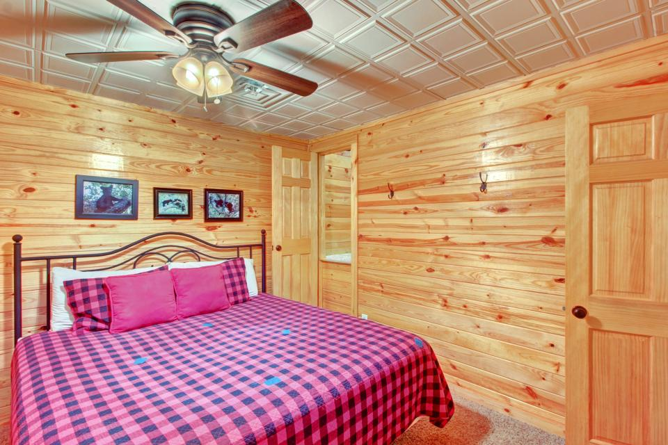 Fit For Kings - Sevierville Vacation Rental - Photo 20