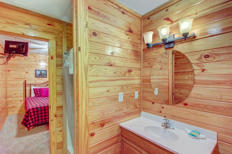 Fit For Kings - Sevierville Vacation Rental - Photo 22