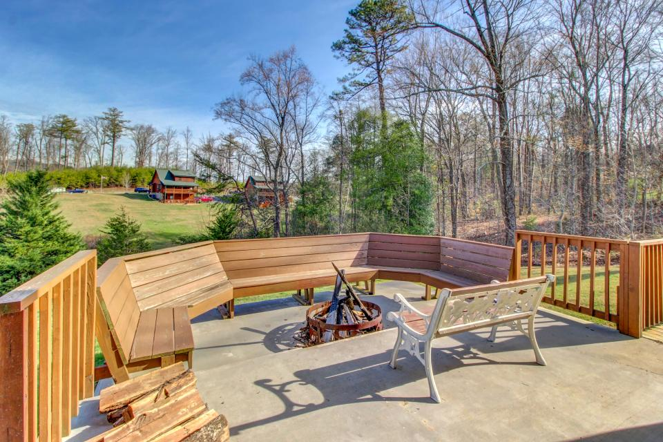 Fit For Kings - Sevierville Vacation Rental - Photo 4
