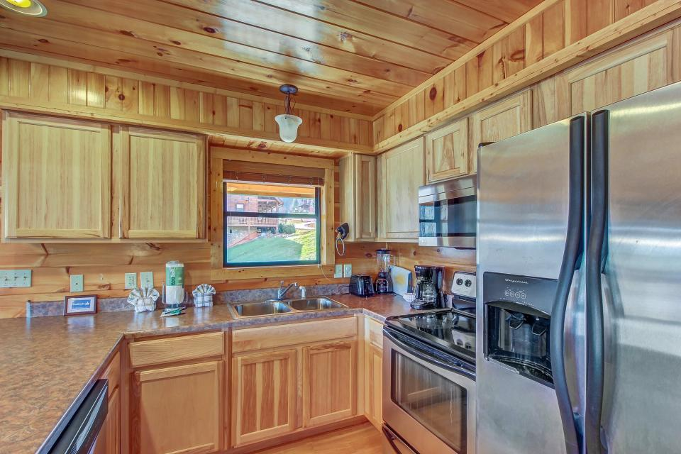 Fit For Kings - Sevierville Vacation Rental - Photo 7