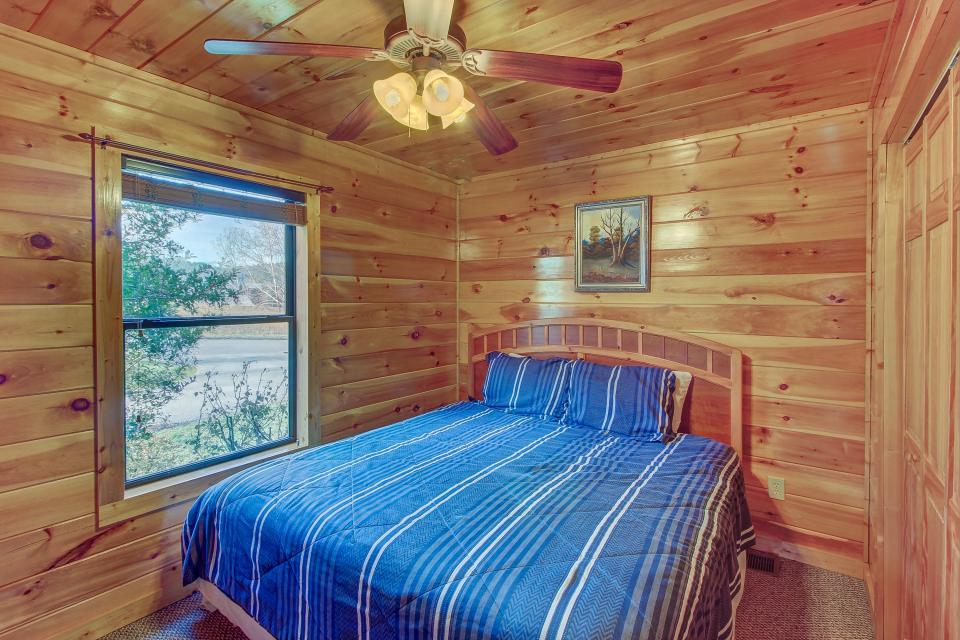 Fit For Kings - Sevierville Vacation Rental - Photo 17
