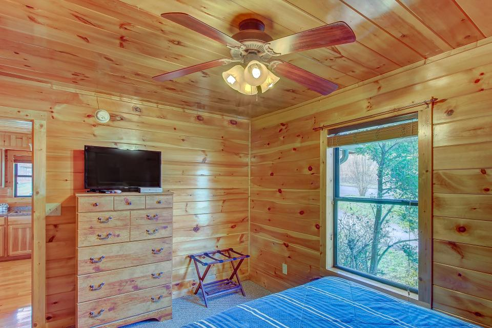 Fit For Kings - Sevierville Vacation Rental - Photo 19