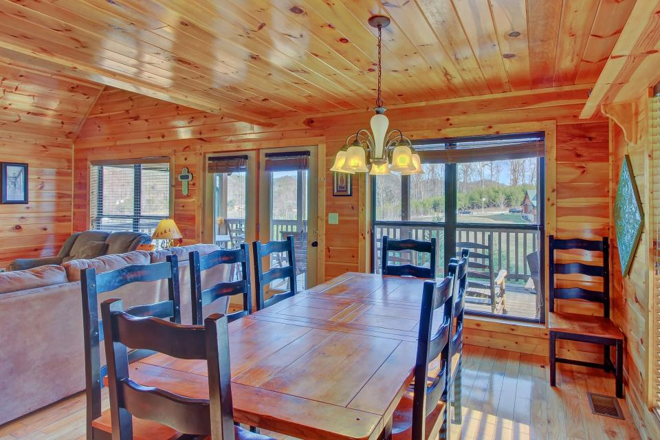 Fit For Kings - Sevierville Vacation Rental - Photo 10