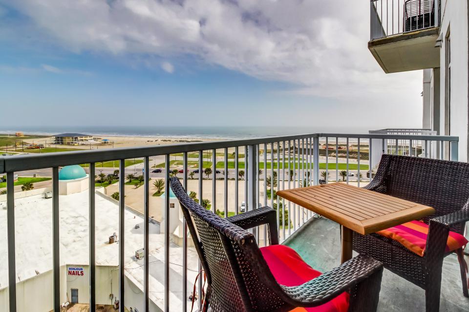Emerald By The Sea #806 - Galveston Vacation Rental - Photo 1