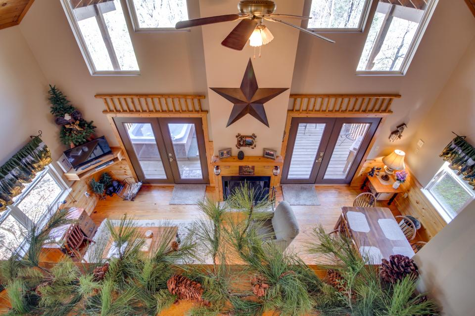 Mountain Breeze Cabin - Sevierville Vacation Rental - Photo 2