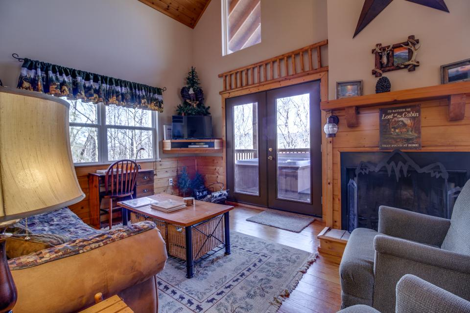 Mountain Breeze Cabin - Sevierville Vacation Rental - Photo 6