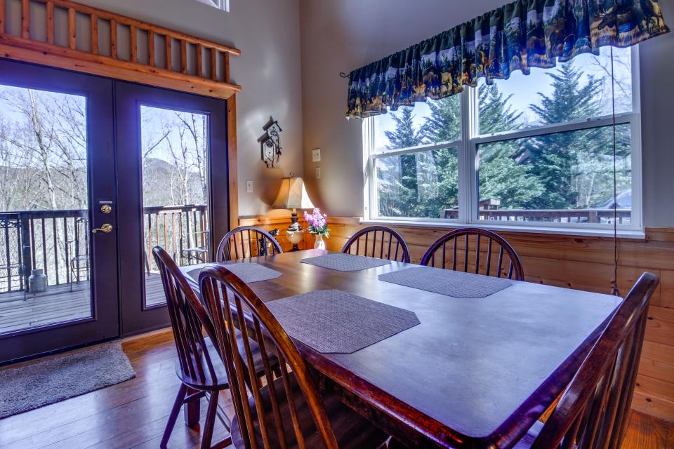 Mountain Breeze Cabin - Sevierville Vacation Rental - Photo 35