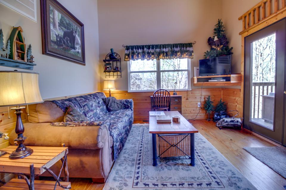 Mountain Breeze Cabin - Sevierville Vacation Rental - Photo 7