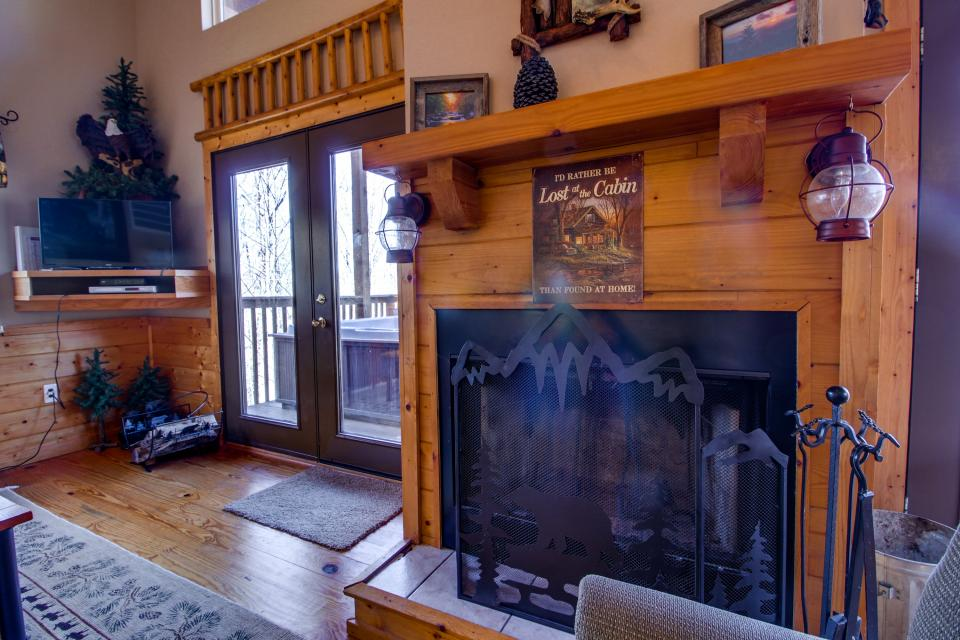 Mountain Breeze Cabin - Sevierville Vacation Rental - Photo 33