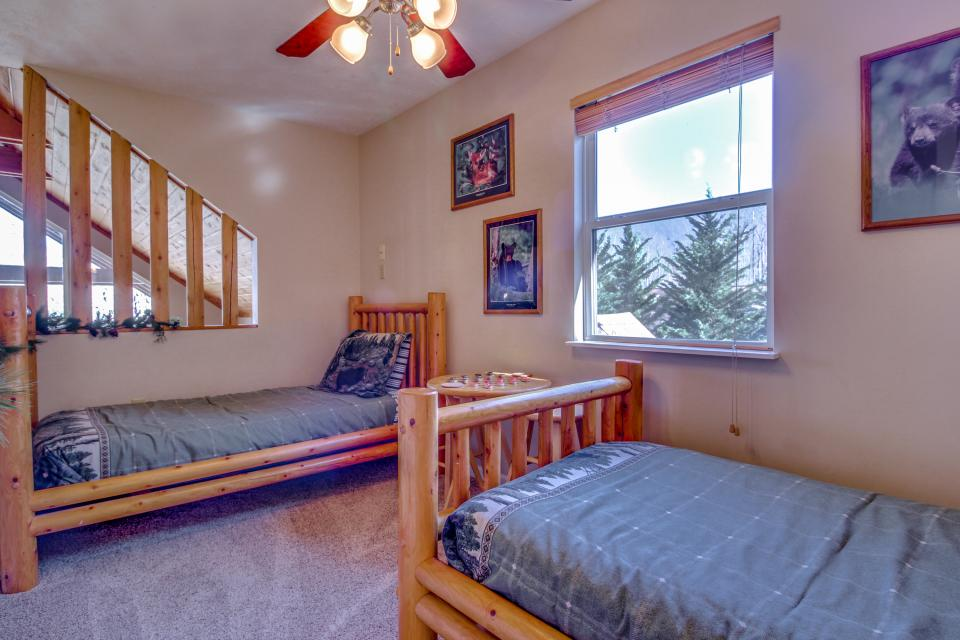 Mountain Breeze Cabin - Sevierville Vacation Rental - Photo 23