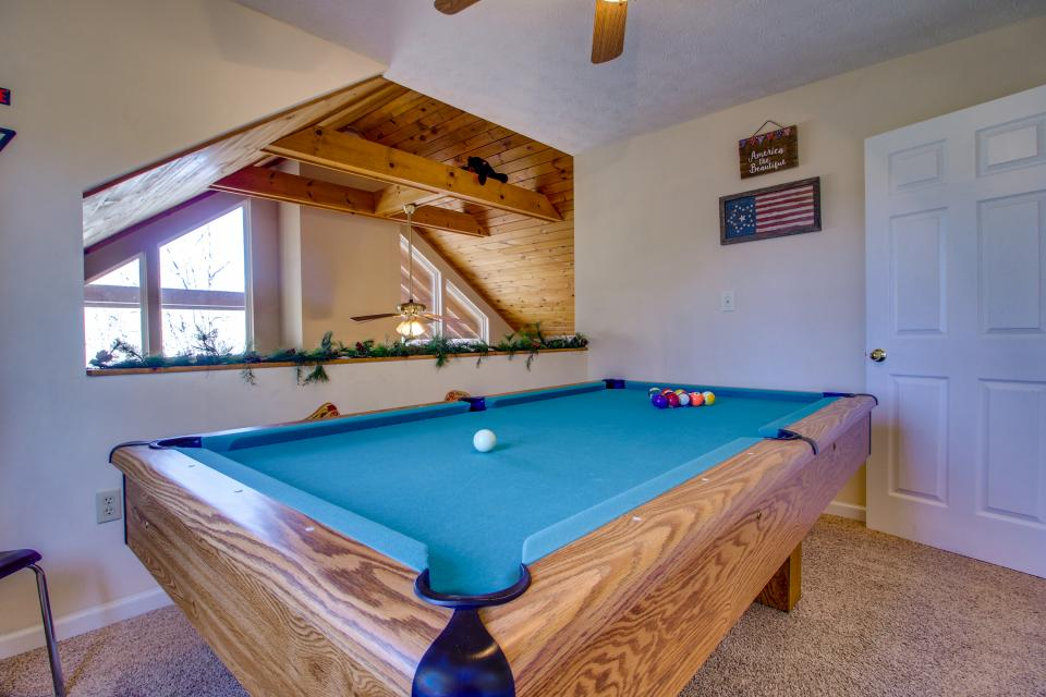 Mountain Breeze Cabin - Sevierville Vacation Rental - Photo 4