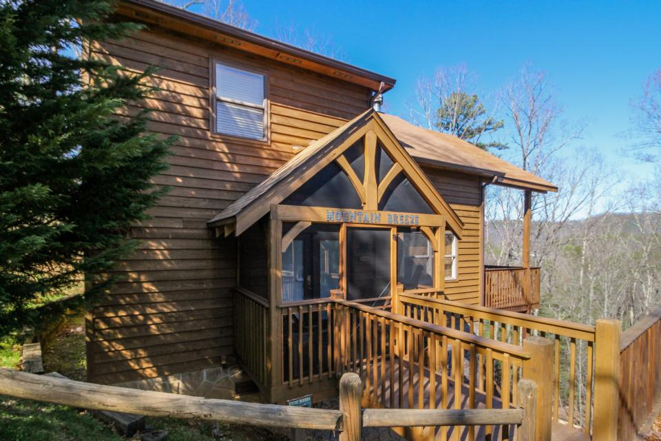 Mountain Breeze Cabin - Sevierville Vacation Rental - Photo 27