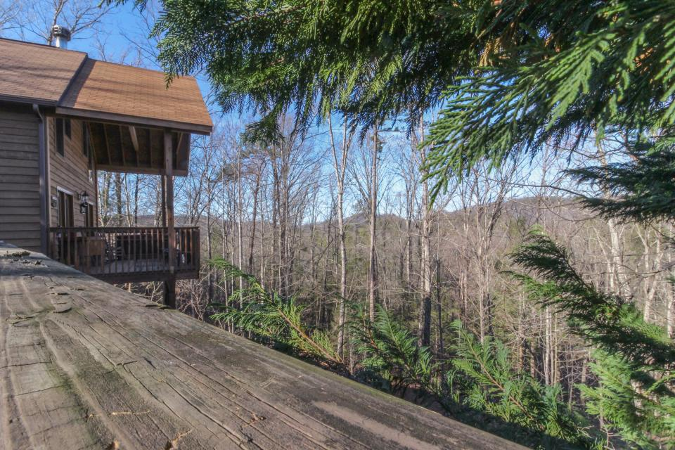 Mountain Breeze Cabin - Sevierville Vacation Rental - Photo 44