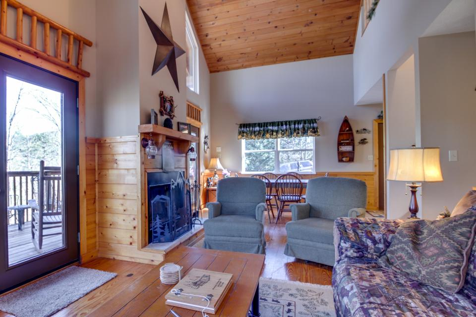 Mountain Breeze Cabin - Sevierville Vacation Rental - Photo 31