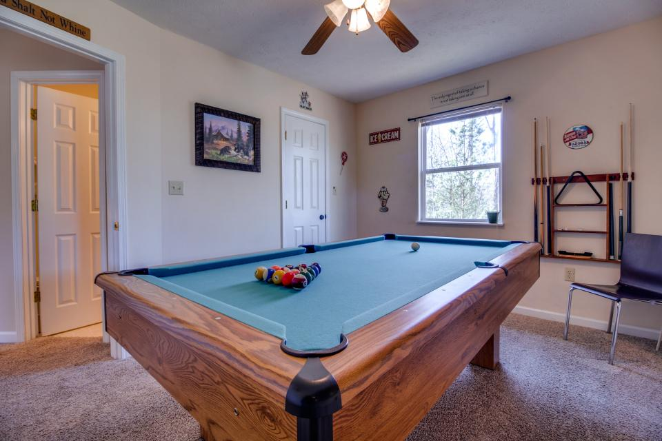 Mountain Breeze Cabin - Sevierville Vacation Rental - Photo 41