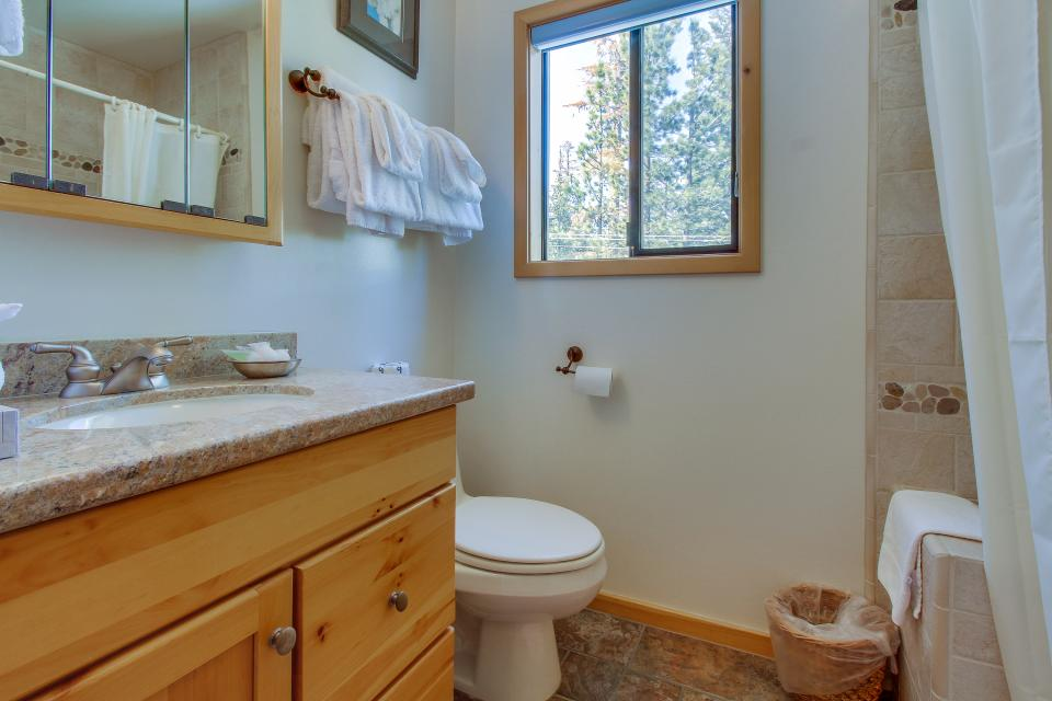 Val D'Isere 45 - Mammoth Lakes Vacation Rental - Photo 21