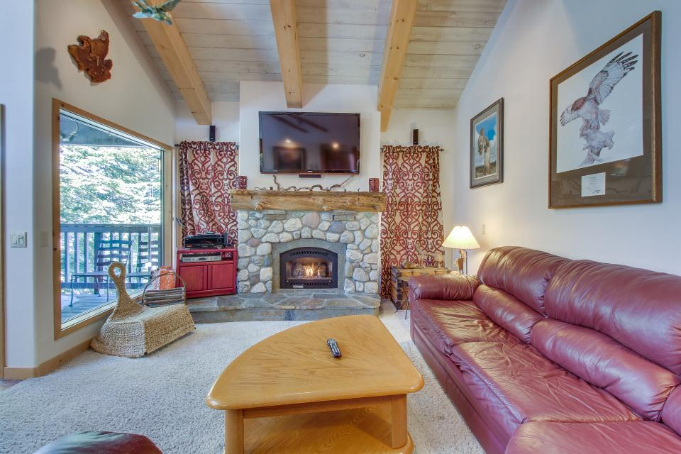 Val D'Isere 45 - Mammoth Lakes Vacation Rental - Photo 2